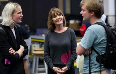 Jan Ryan works with students at UT. Photo by Lawrence Peart.